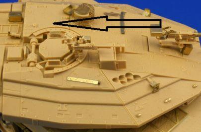 strzałka wskazuje miejsce włazu ładowniczego