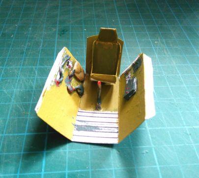 kokpit pomalowany zmodyfikowany nieco fotel oraz dodałem pare drobnych rzeczy z modeliny