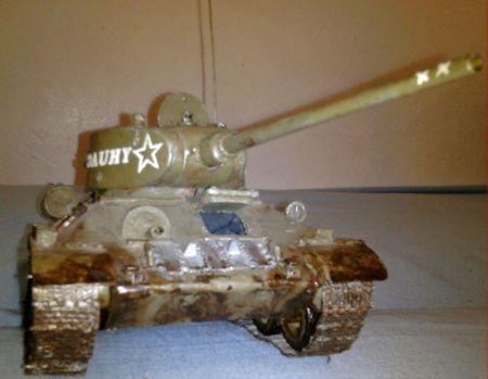 T34-85 ubrudzony
