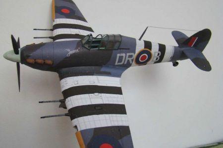 Hawker Hurricane Mk II C   [Modelik]