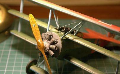 Fokker Dr.I z drobnym akcentem drewnianym