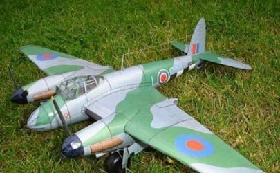 Angielski samolot myśliwski-bombowy Mosquito Mk. V