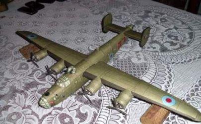 [Konkurs] Cięzki samolot bombowy Liberator B-24