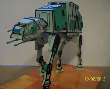 AT - AT / Pojazd z Gwiezdnych wojen :)