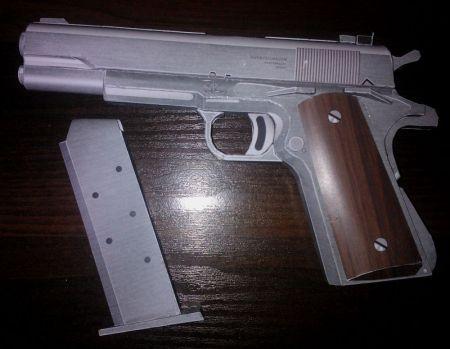 pistolet  silverballer Hitman