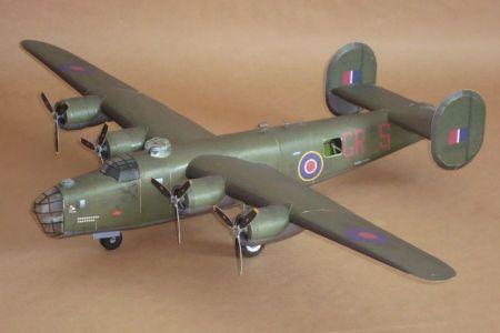 kartonówka: B-24J