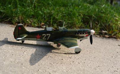 Prowizoryczna przeciwczołgówka czyli Jak-9T