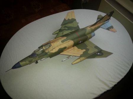 AMERYKAŃSKI SAMOLOT WIELOZADANIOWY MC DONNEL DOUGLAS F-4E PHANTOM II