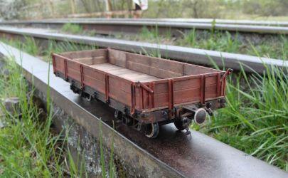 Wąskotorowy wagon niskoburtowy 1:25