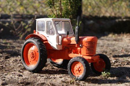 Traktor MTZ-50