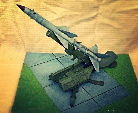 Rakieta W-755 na wyrzutni SM-90 zestawu S-75M