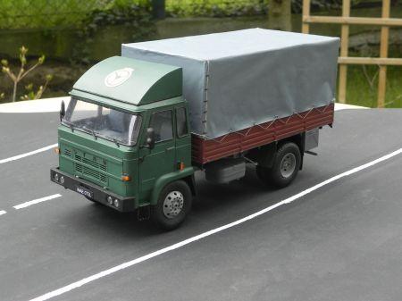 Samochód ciężarowy Star 200
