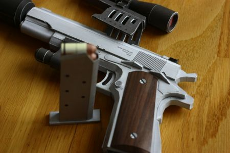 COLT M1911 Silverballer