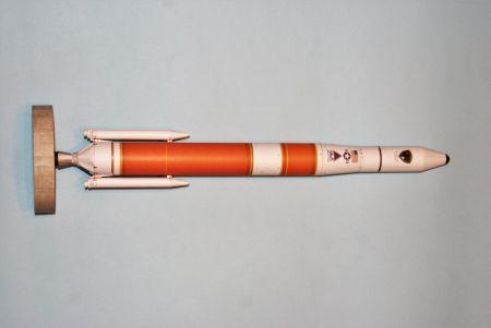 RAVEN6 odleciał w kosmos czyli DELTA IV MEDIUM+ 4.2 w skali 1:150 z Wydawncitwa EXTRA MODEL