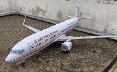 Boeing 737-86D Józef Piłsudski