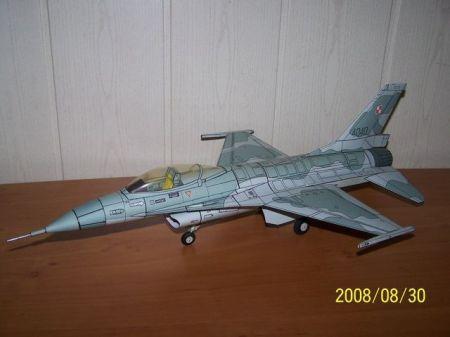 F-16 w polskich barwach poprawiony nos