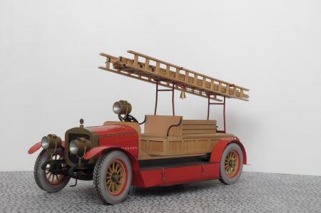 Samochód strażacki  Russo-Bałt D24/40 z 1912r.  Skala 1:15