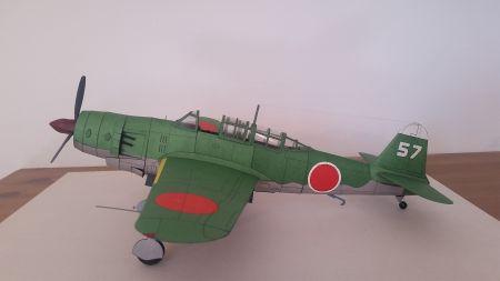 Japoński bombowiec nurkujący Yokosuka D4Y4