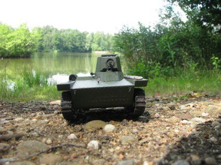 Polski czołg pływający PZInż-130