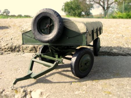 Przyczepka amunicyjno-sprzętowa dla artylerii plot. 40 mm wz. 36 w zestawie z ciągnikiem artyleryjskim C2P