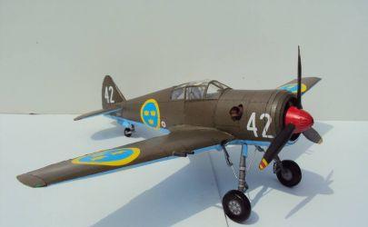 Szwedzki myśliwiec J-22 - Modele kartonowego fana 7/2002