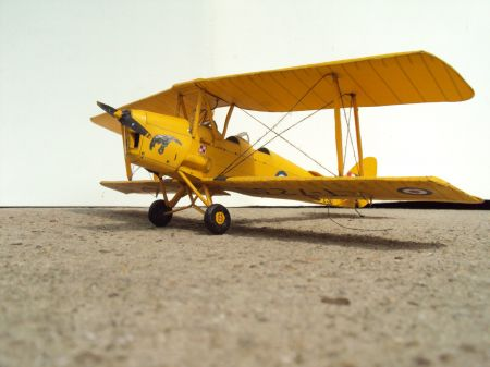 DH 82A Tiger Moth - Modelarz kartonowy 1/2009