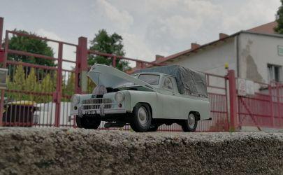 Warszawa M-20 pick-up Modelik 1:25