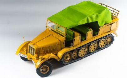 Niemiecki Ciągnik półgąsienicowy Sd.Kfz. 7 (Mittlerer Zugkraftwagen 8t) + bonus