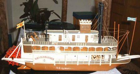 Statek tylnokołowiec Western River