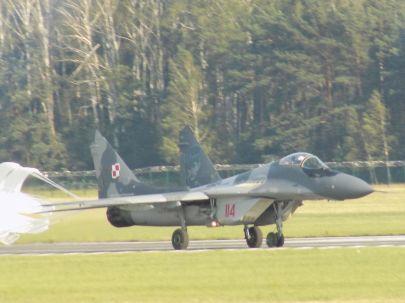 MiG-29 Nr. 114 z 23 Bazy Lotnictwa Taktycznego z wizerunkiem ,,Dziubka'' Horbaczewskiego.