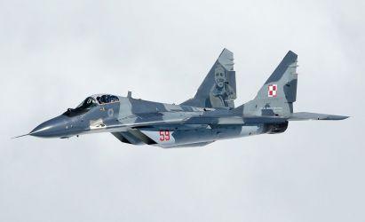 MiG-29 n. 59 z wizerunkiem Zdzisława Hennenberga.