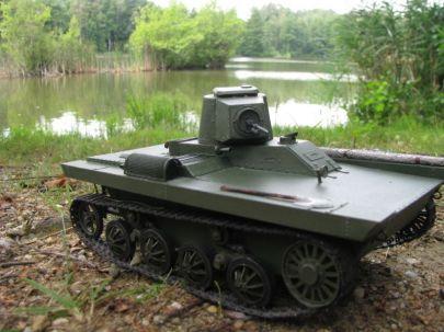 PZInż - 130  Polski czołg pływający