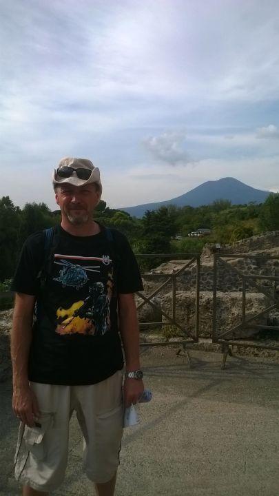 Pompeje - widok na Wezuwiusza :-)