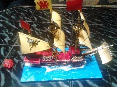 Statek zrobilem dla przyjaciółki w prezencie oto przyklad dioramy moja pierwsza wodna :)